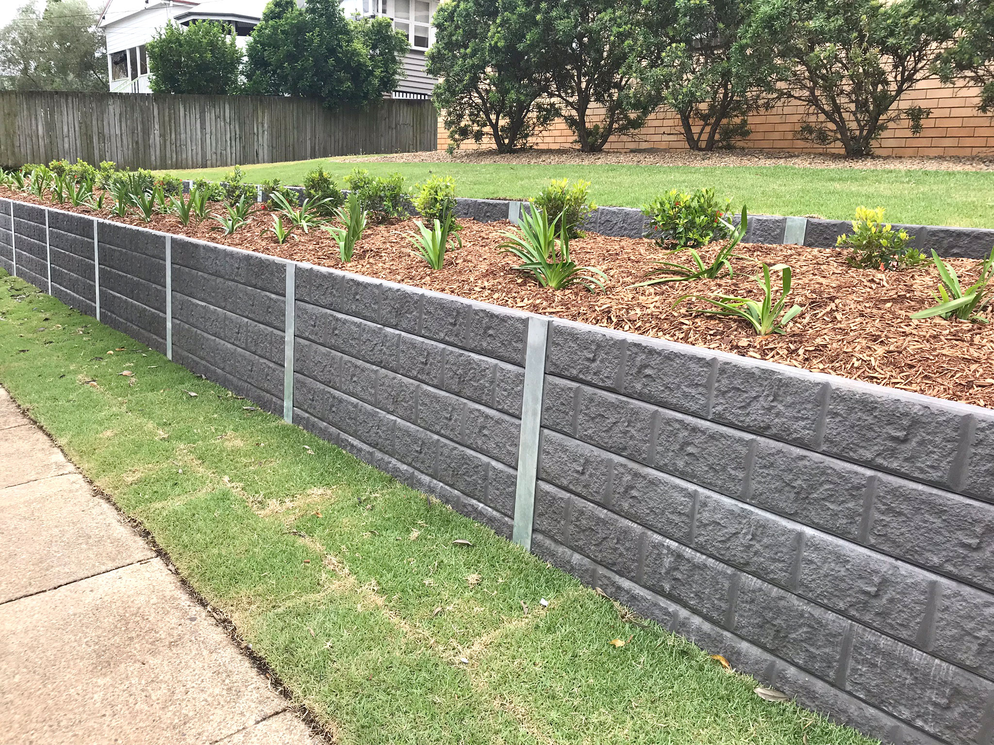 How to Get Unbeatable Concrete Sleeper Retaining Wall Installation ...